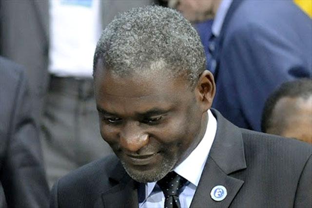 Magloire Ngambia à la barre